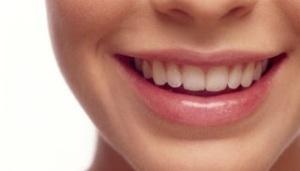 Sakit Gigi Bisa Sebabkan Penyakit Kronis